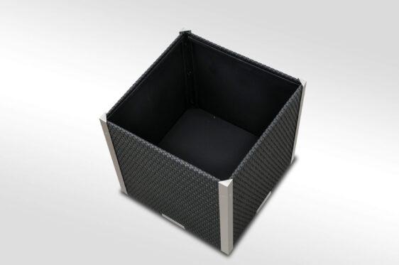 Donica ogrodowa kwadratowa z technorattanu listwy aluminiowe 46x46x46 cm NR 0320