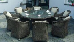 Okrągły stół ogrodowy z technorattanu w kolorze brązowym. Meble ogrodowe od 1001mebli