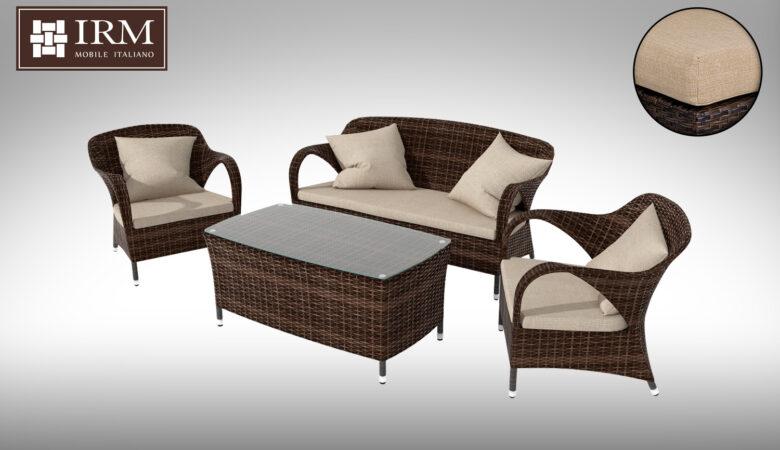 Zestaw mebli rattanowych tarasowych w kolorze brązowym z beżowymi poduszkami