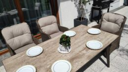 SOUTH MODERN Ogrodowy stół ceramiczny i fotele technorattan